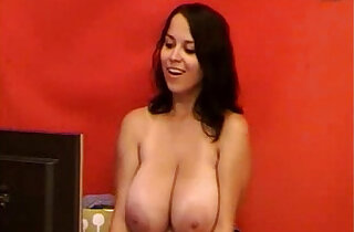 Zoe H Boobs on Webcam