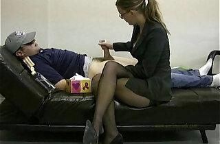 Lady masturbates her lazy employee to ignite him to work - 2:46
