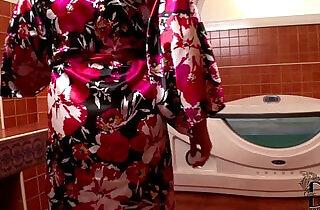 Sandra Boobies Sucks black Cock In The Tub Gets Cum On Her Jugs - 7:55