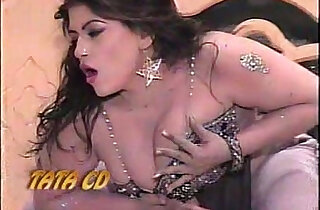 My hot and Sexy Sisters nude Pujabi Mujra - 5:51