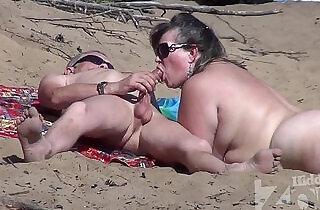 Blowjob on a nudist beach - 2:45