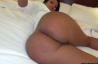 Big Ass Kiara Mia Working The Streets - 7:30