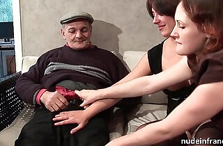 FFM Two french brunette sharing an old man cock of Papy Voyeur - 26:03