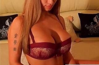 Hot sexy black girl has got big boobs - 8:54