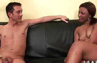 Bonne black francaise grave sodomisee et prise en double pour son casting - 36:10