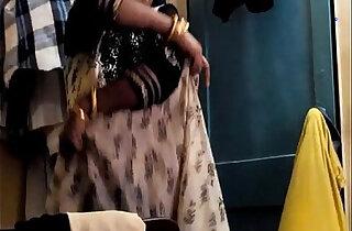Desi Randi Bhabhi Changing Dress - 2:04