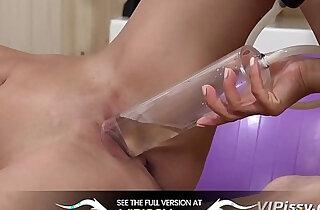 Vipissy Lesbian Pee - 8:00