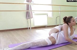 Inrcedibly hot gymnast Inessa - 6:08