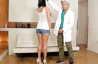 Porno mexicano, Profesor a punto de cogerse colegiala deliciosa - 10:51