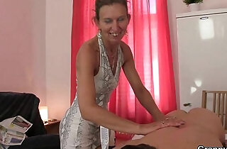 Granny masseuse getting her hairy hole pounded - 6:53