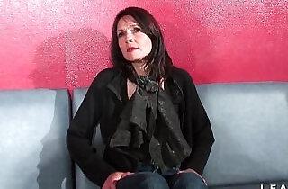 Cougar francaise sodomisee et prise en double penetration pour son casting porno - 41:25